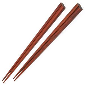 Par de palillos de madera hechos a mano