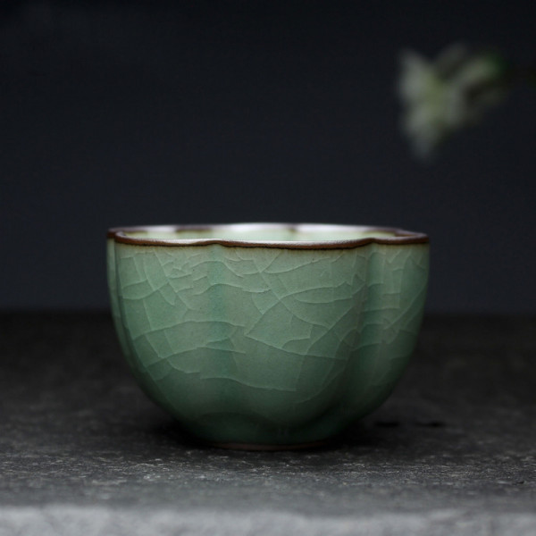 "Chinese Gong Fu Cha Tea Cup ""Calyx"", Crackled Green Celadon"